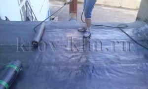 chem-pokryt-kryshu-garazha-ruberoid-ili-naplavlyaemye-materialy-1