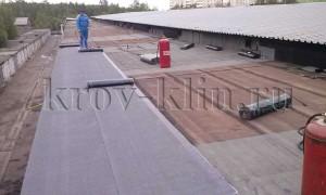 chem-pokryt-kryshu-garazha-ruberoid-ili-naplavlyaemye-materialy-3