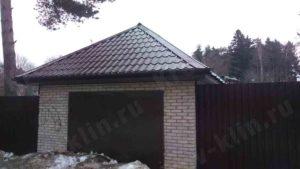 Вальмовая крыша покрытая металлочерепицей