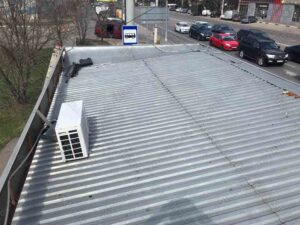 Крыша покрытая профлистом